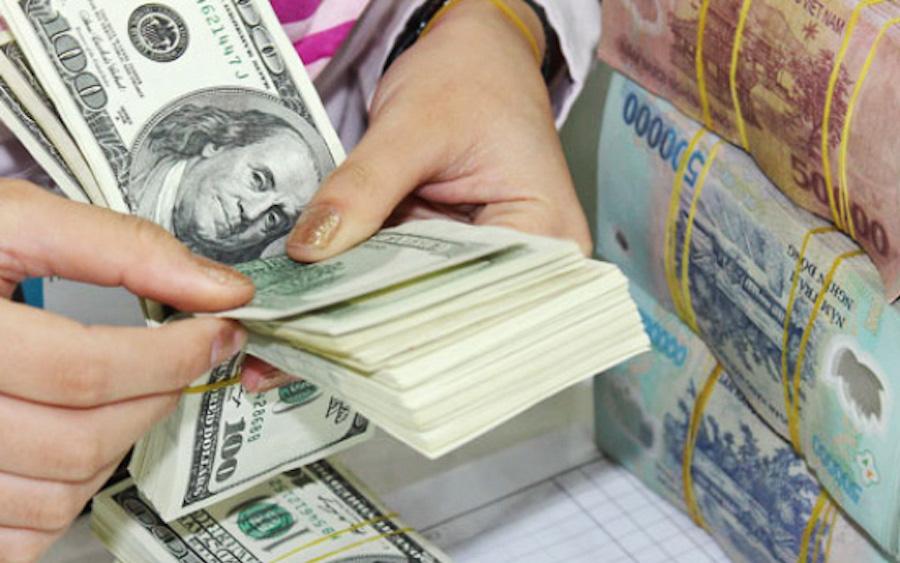 """Tỷ giá ngoại tệ hôm nay 25/3 """"rơi"""" ở chợ đen, tăng mạnh tại ngân hàng"""