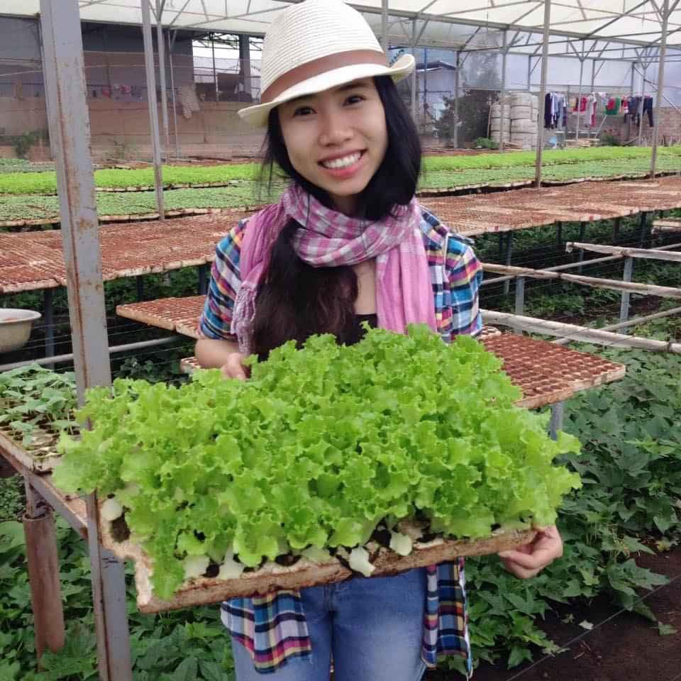 Cô gái trẻ biến phế thải nông nghiệp thành phân bón hữu cơ - Ảnh 1.