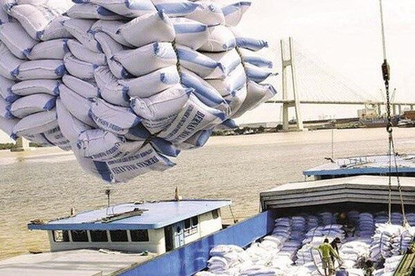 Bộ Công thương họp khẩn về nguồn cung và xuất khẩu gạo - Ảnh 1.
