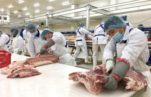 """Giá trong nước """"neo"""" cao, gần 1.500 tấn thịt lợn Nga """"đổ bộ"""" Việt Nam - Ảnh 1."""