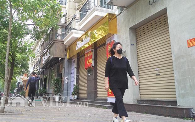 """""""Phố Hàn Quốc"""" ở Hà Nội im lìm sau lệnh đóng cửa chống Covid-19"""