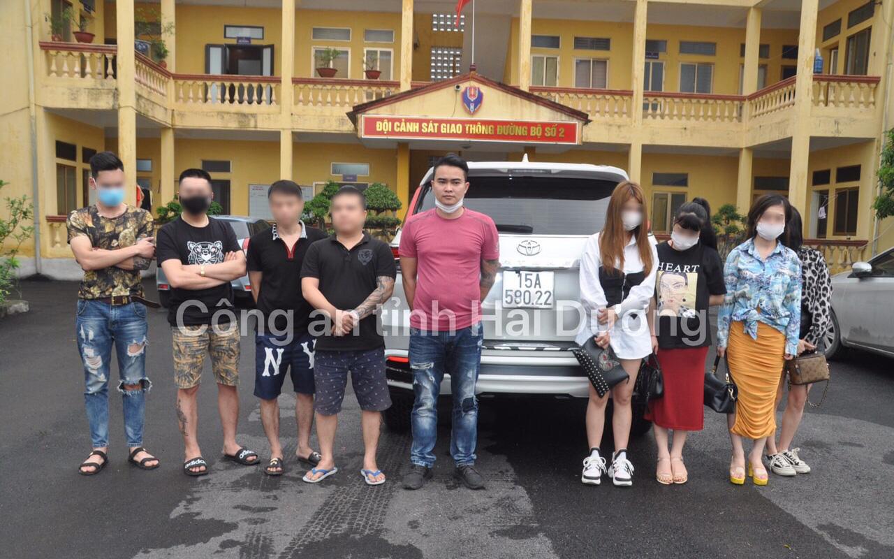 Phát hiện nhóm thanh niên sử dụng ma túy trên xe ô tô
