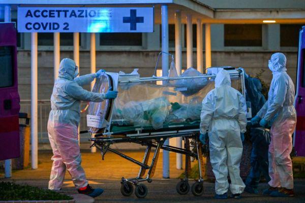 Vì sao số người chết vì Covid-19 ở Italy, Tây Ban Nha cao hơn cả Trung Quốc? - Ảnh 1.