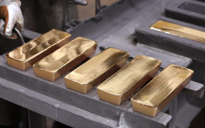 """Giá vàng hôm nay 28/3, giảm nhẹ cuối tuần tạo """"sức bật"""" đầu tuần tới tăng cao"""