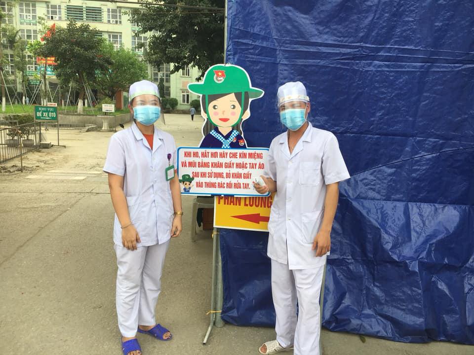 Bệnh viện tự chế mặt nạ phòng chống dịch Covid-19 giá 5.000 đồng/chiếc - Ảnh 3.