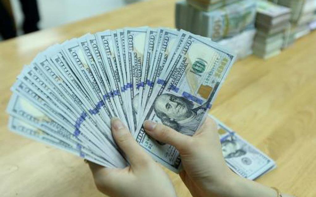 Tỷ giá ngoại tệ hôm nay 4/3 tăng vọt ở chợ đen