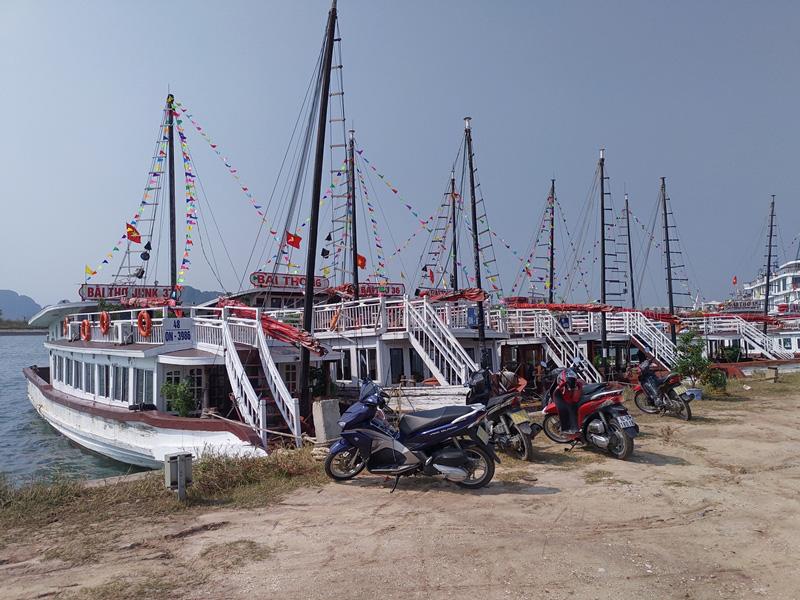Quảng Ninh: Điều chỉnh tuyến đường thủy thăm quan vịnh Hạ Long - Ảnh 1.