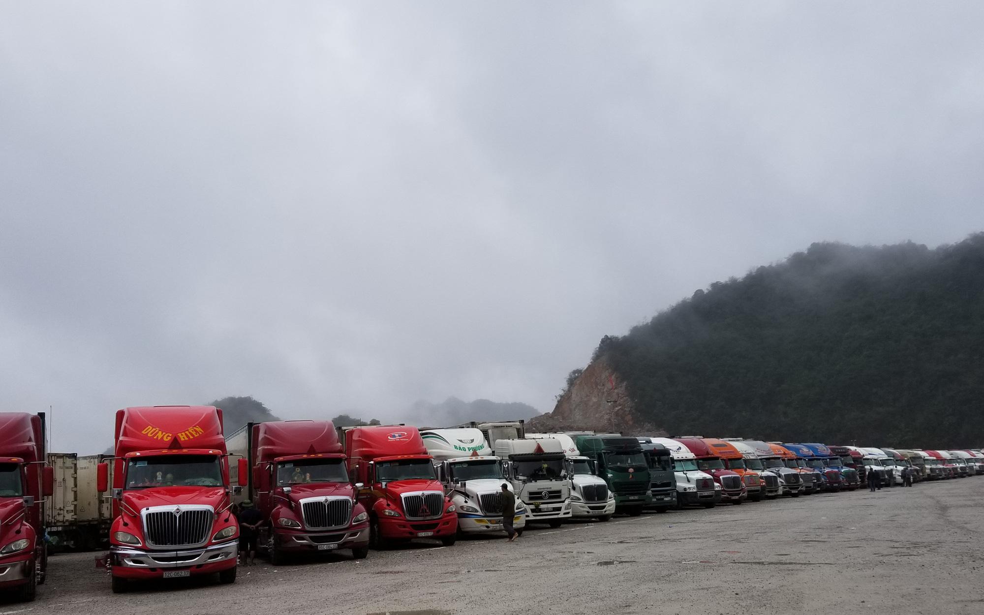 """Hàng hóa ùn ứ, Lạng Sơn lập thêm """"Đội xế"""" tại cửa khẩu Chi Ma"""