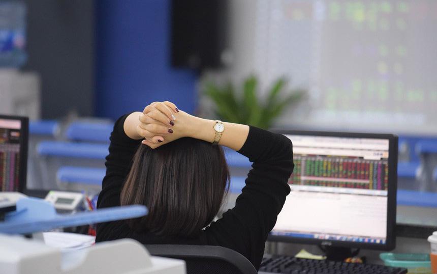 Thị trường chứng khoán 14/4: Đừng quên ảnh hưởng tiêu cực từ Covid-19