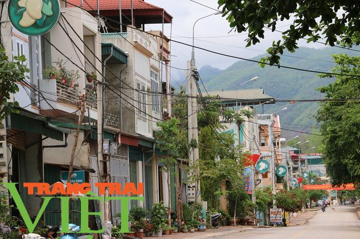 Yên Châu đổi thay từ chương trình nông thôn mới - Ảnh 2.