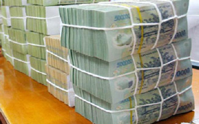 """""""Lao đao"""" vì Covid-19, doanh nghiệp rút ròng hơn 190 nghìn tỷ từ kênh tiền gửi ngân hàng"""