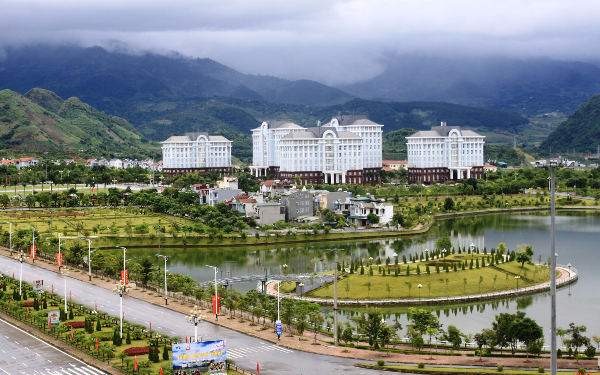 """Thành phố Lai Châu chú trọng phát triển """"công nghiệp không khói"""""""