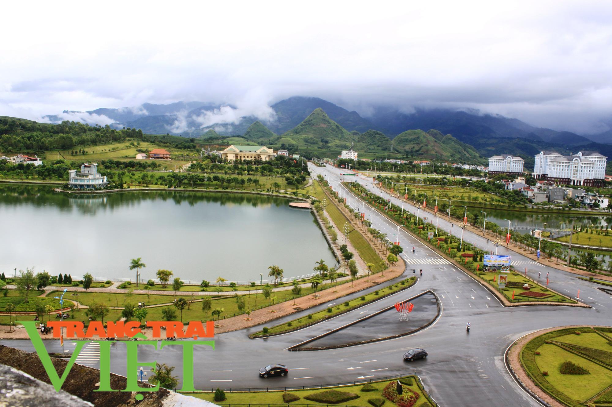 Thành phố Lai Châu chú trọng phát triển dịch vụ du lịch - Ảnh 1.