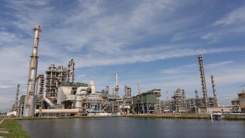 Giá dầu giảm kỷ lục: Việt Nam có thể mua dự trữ? - Ảnh 1.