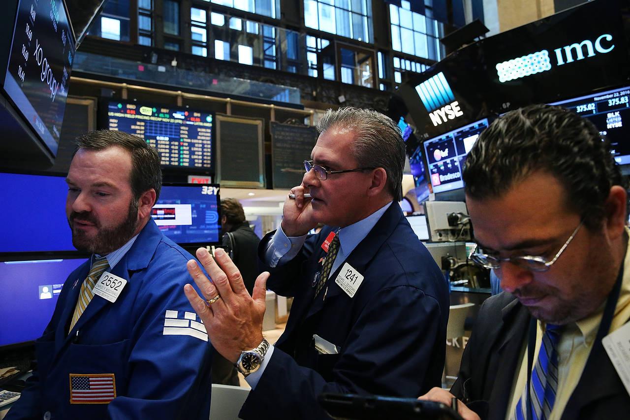 Chứng khoán Mỹ nhích lên, Dow Jones tăng 120 điểm - Ảnh 1.