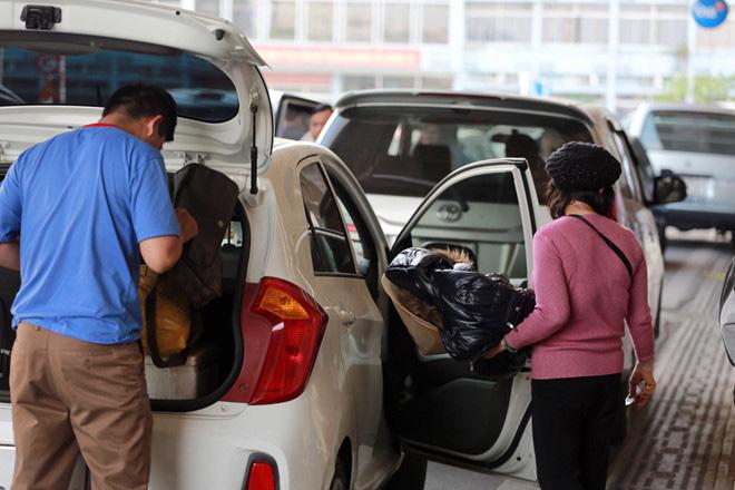 TP.HCM cho hoạt động trở lại taxi, xe công nghệ, xe khách liên tỉnh - Ảnh 1.