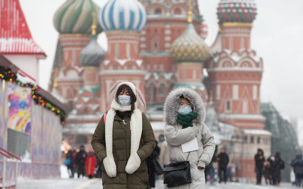 Người dân Nga được nghỉ nguyên lương đến hết tháng 4