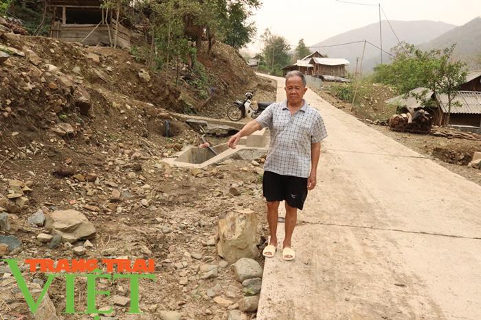 Nông thôn mới Sơn La: Lan tỏa phong trào hiến đất làm đường ở Tạ Bú - Ảnh 4.