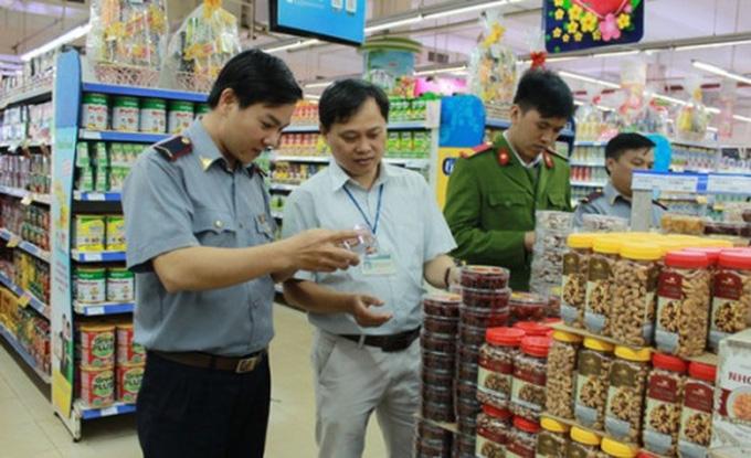 Ý thức trách nhiệm về an toàn thực phẩm của người dân, doanh nghiệp còn còn hạn chế - Ảnh 1.