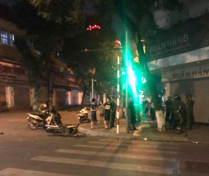 Hà Nội: Đối tượng điều khiển xe máy húc tử         vong người phụ nữ bị tạm giữ - Ảnh 1.