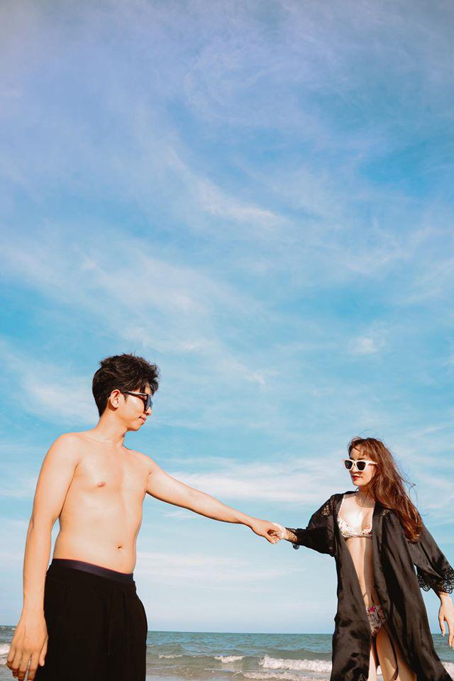Tuổi U40, Khánh Thi vẫn mặc bikini đẹp hút mắt khiến Phan Hiển đắm đuối không rời - Ảnh 6.