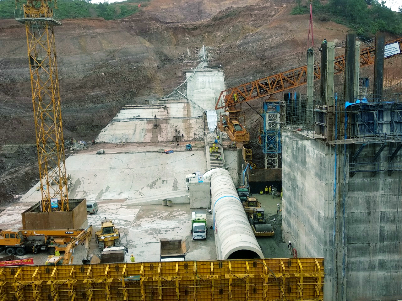 Lạng Sơn: Loạt dự án ì ạch do vướng bồi thường và chủ trương đầu tư - Ảnh 1.
