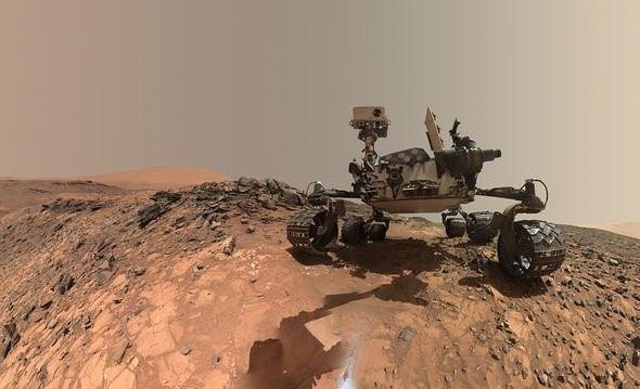 """Hàng ngàn """"cây nấm"""" được phát hiện trong các bức ảnh chụp sao Hỏa của NASA - Ảnh 3."""