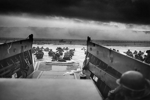 Chiến dịch đổ bộ lớn nhất trong lịch sử chiến tranh - Ảnh 1.