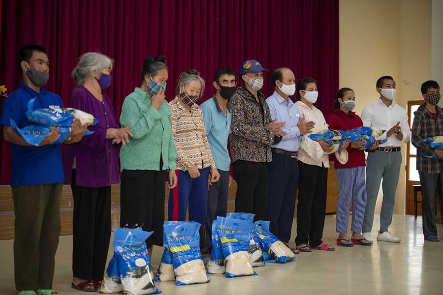 Ca sĩ Đinh Hiền Anh chi gần 1 tỷ làm từ thiện suốt dịch nCoV  - Ảnh 5.