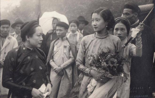 """Ảnh nhan sắc """"vượt thời gian"""" của Nam Phương Hoàng hậu gây sốt trở lại nhờ MV của Hòa Minzy? - Ảnh 5."""