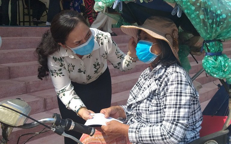 TP HCM: Hội nông dân nâng đỡ hàng trăm hội viên, nông dân trong mùa Covid-19