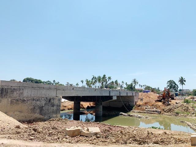 Quảng Ngãi: Sau khảo sát DA 0,53 km đường huyện bị cắt còn dưới 2 triệu USD  - Ảnh 4.