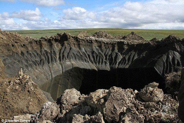 Hố địa ngục ở Nga giải mã tam giác quỷ Bermuda - Ảnh 1.