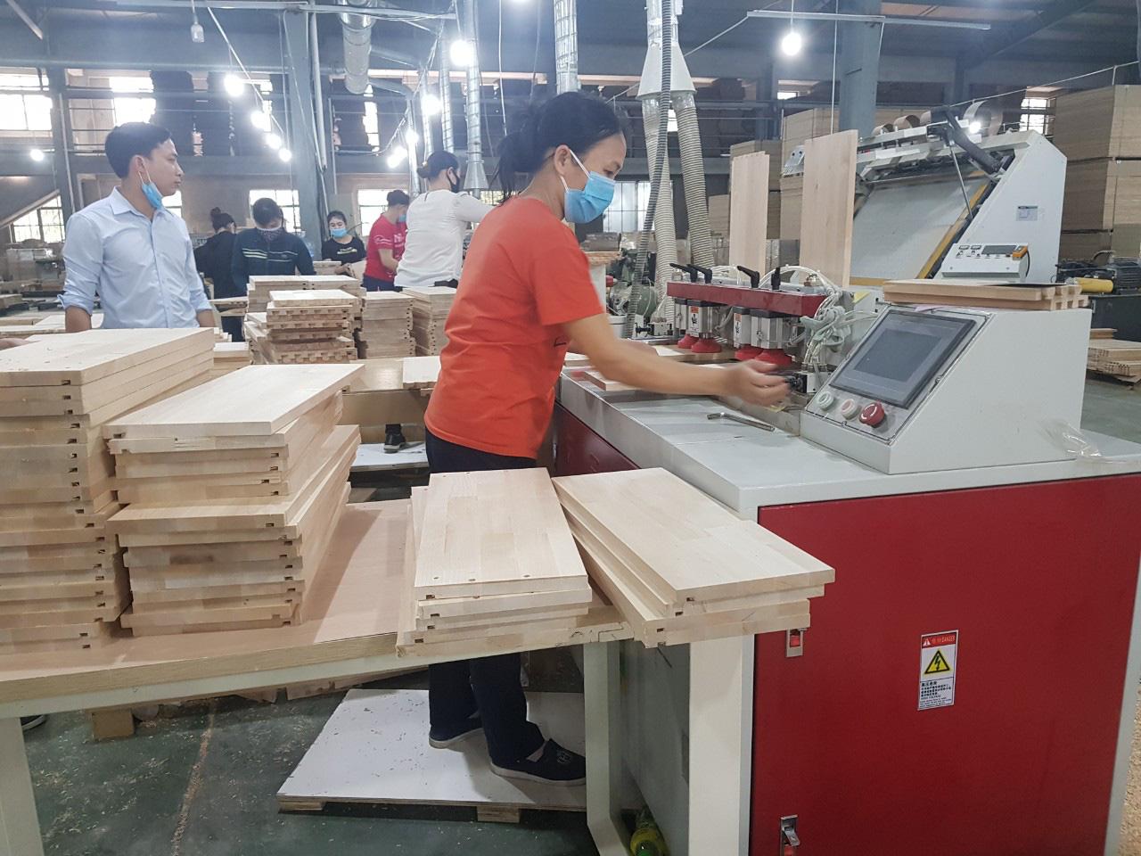 bàn phục hồi Ngành chế biến gỗ: Lấy lại tăng trưởng từ quý III/2020 - Ảnh 1.
