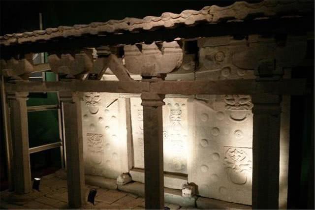 Truyền kỳ về chiếc quan tài đá có giá trị không tưởng được tìm thấy trong ngôi mộ cổ độc nhất vô nhị - Ảnh 1.