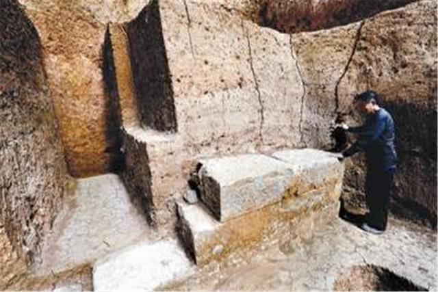 Truyền kỳ về chiếc quan tài đá có giá trị không tưởng được tìm thấy trong ngôi mộ cổ độc nhất vô nhị - Ảnh 3.