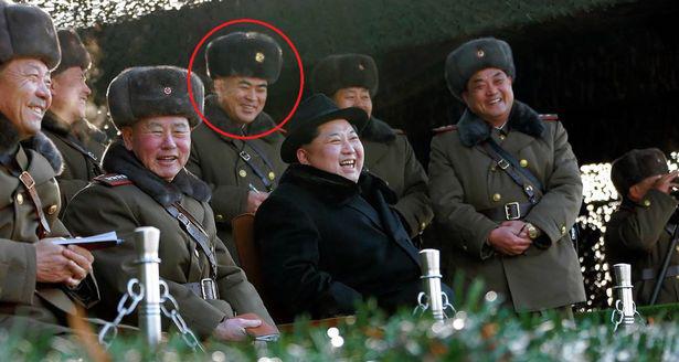 Kim Jong-un bất ngờ thay 'trùm' tình báo và chỉ huy cận vệ - Ảnh 1.
