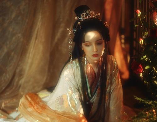 """Từ công chúa thành nô tì rồi lên sủng phi, đến chết mỹ nhân này lại bị mắng """"đáng đời"""" - Ảnh 3."""
