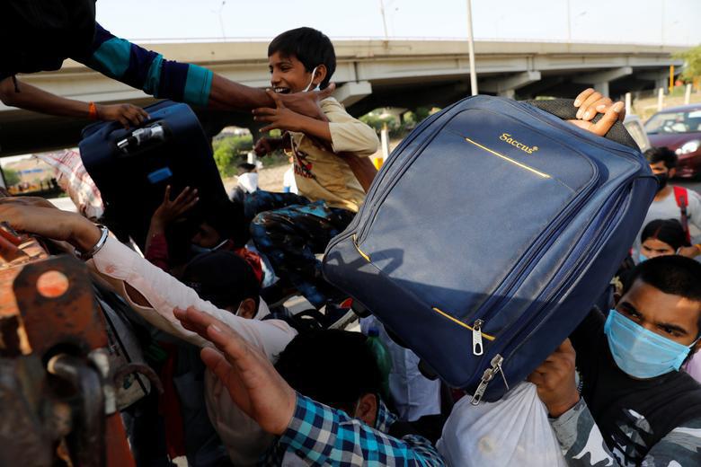 Người Ấn Độ tuyệt vọng muốn trở về nhà - Ảnh 11.