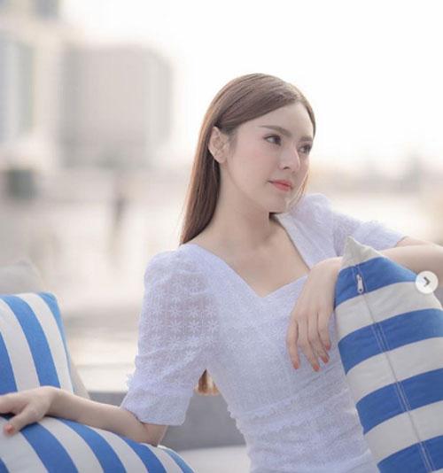 Đơ người vì vẻ đẹp 'chim sa cá lặn' của fan M.U xinh nhất Thái Lan - Ảnh 10.