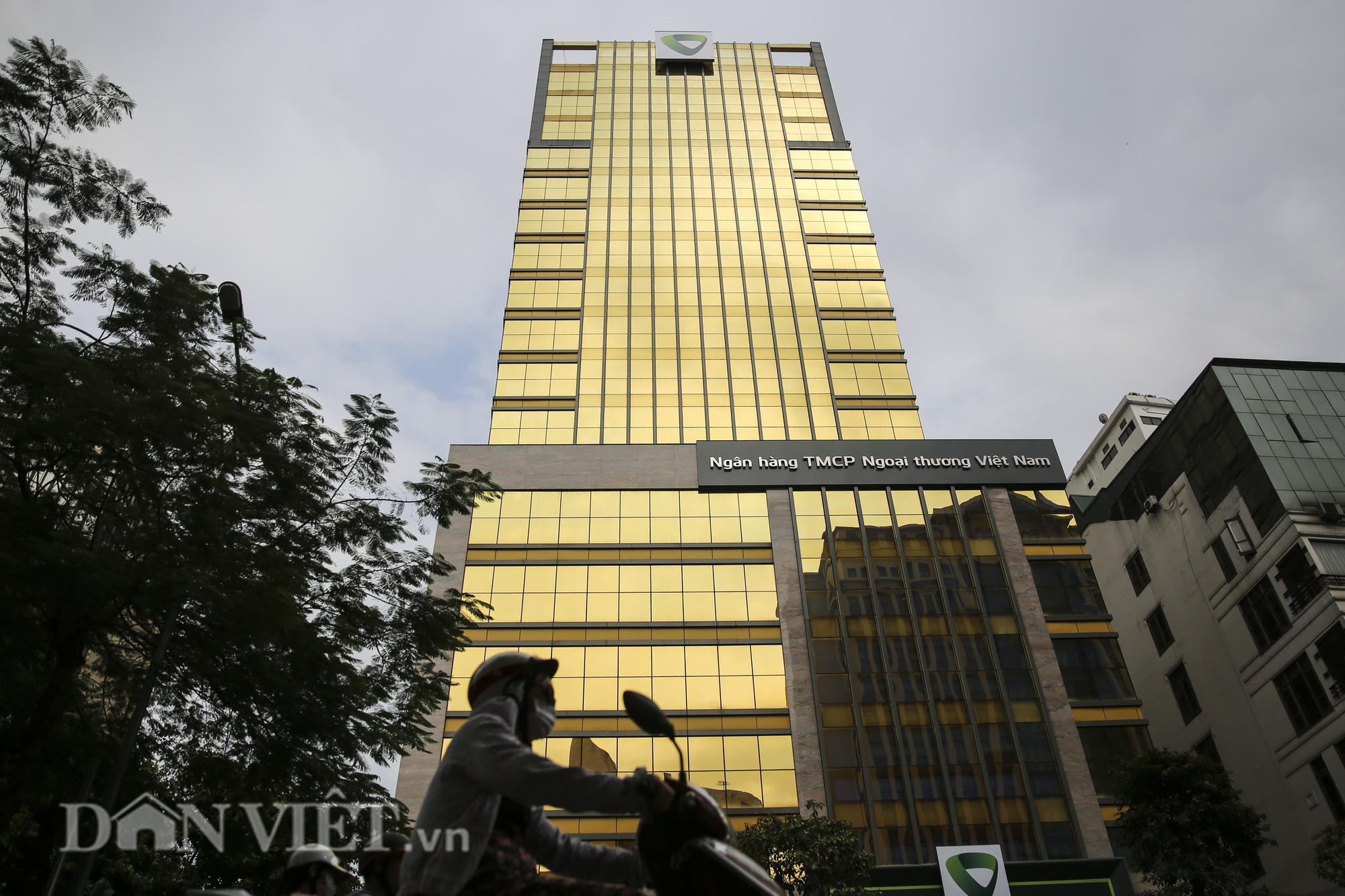"""Hà Nội: Tòa nhà """"dát vàng"""" phản quang gây chói mắt người đi đường - Ảnh 4."""