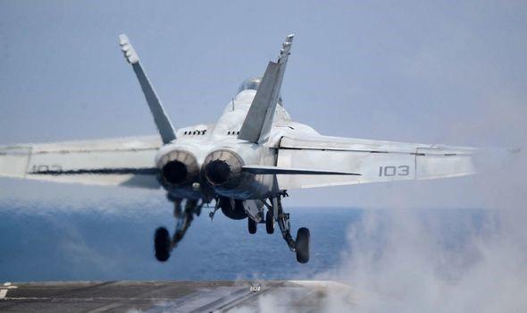 Không quân Mỹ tiết lộ những báo cáo về các cuộc chạm trán với UFO - Ảnh 3.