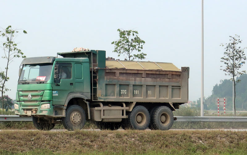 """Nghệ An: Nỗi sợ hãi từ xe vận tải mang logo """"HM"""", """"Thao Đô"""", """"Linh Sơn"""" - Ảnh 4."""