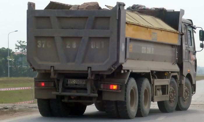 """Nghệ An: Nỗi sợ hãi từ xe vận tải mang logo """"HM"""", """"Thao Đô"""", """"Linh Sơn"""" - Ảnh 3."""