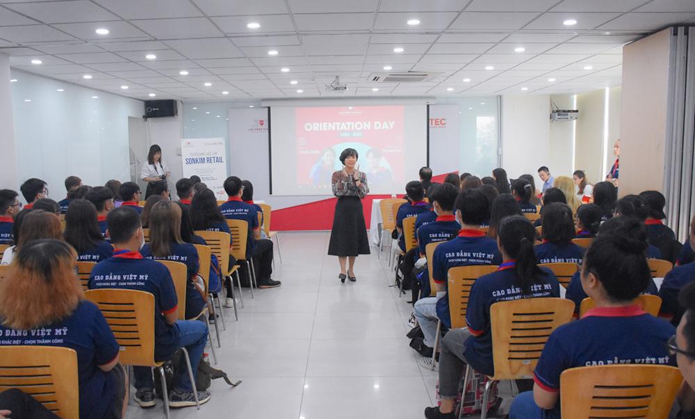 Tập đoàn SonKim Retail tuyển dụng SV tại lễ khai giảng Trường Cao đẳng Việt Mỹ - Ảnh 2.