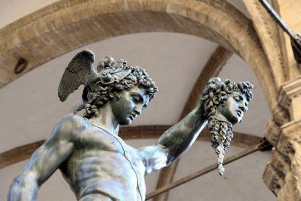 7 đồ vật thần thoại có sức mạnh vô biên - Ảnh 7.