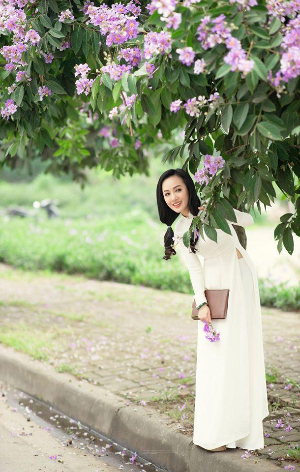 """Tuổi 40, BTV Hoài Anh vẫn mặc áo dài trắng đẹp """"gây mê"""" người nhìn - Ảnh 9."""