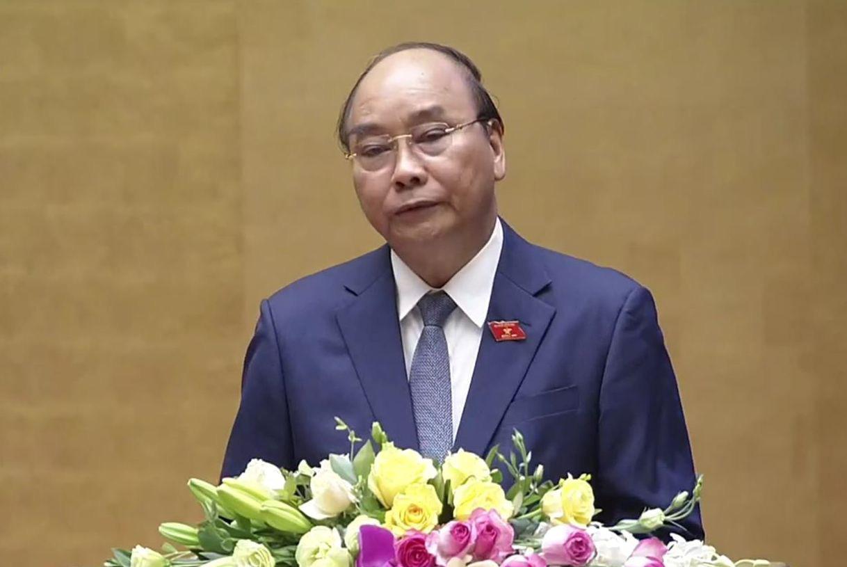 Thủ tướng đề nghị Quốc hội chưa tăng lương cán bộ, công chức từ 1/7/2020 - Ảnh 1.