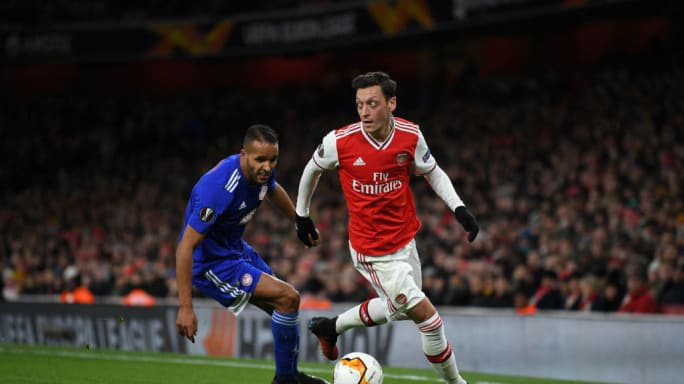 NÓNG: Arsenal chi 23 triệu bảng cho người thay thế Mesut Ozil - Ảnh 2.
