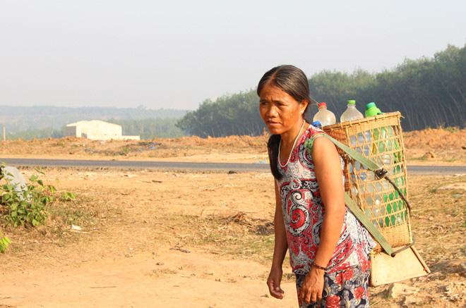 Cây khô, người khát ở Kon Tum - Ảnh 2.
